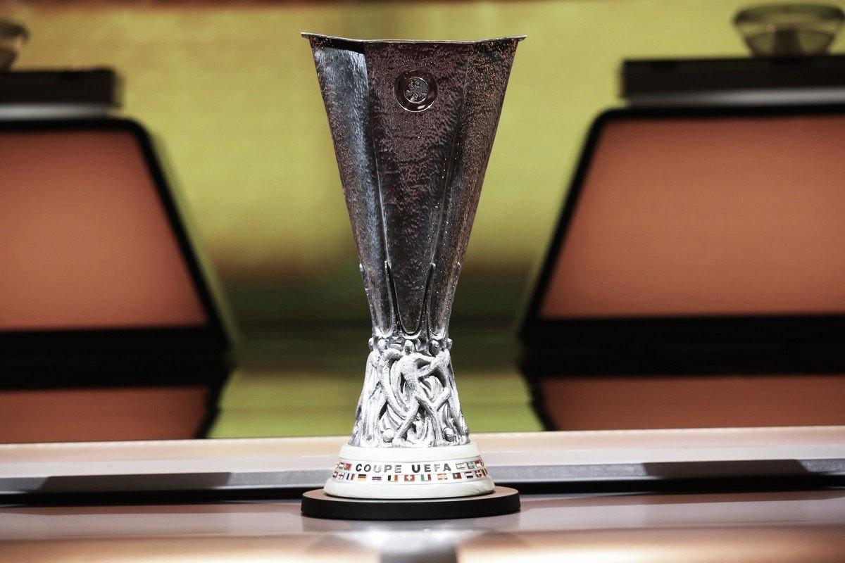 Com direito a Milan x Arsenal, confrontos das oitavas da Europa League são sorteados