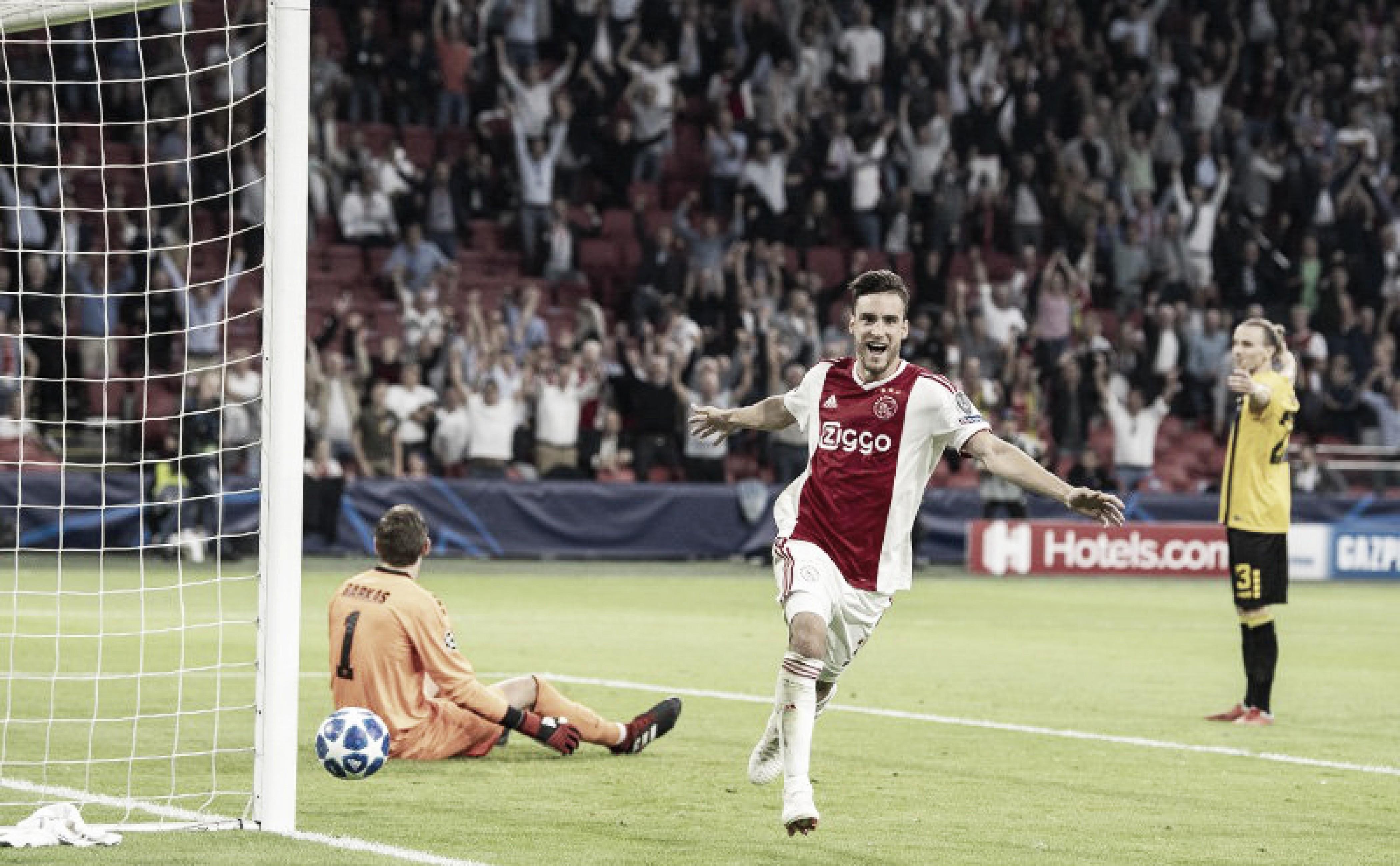 Tagliafico celebrando el primer gol