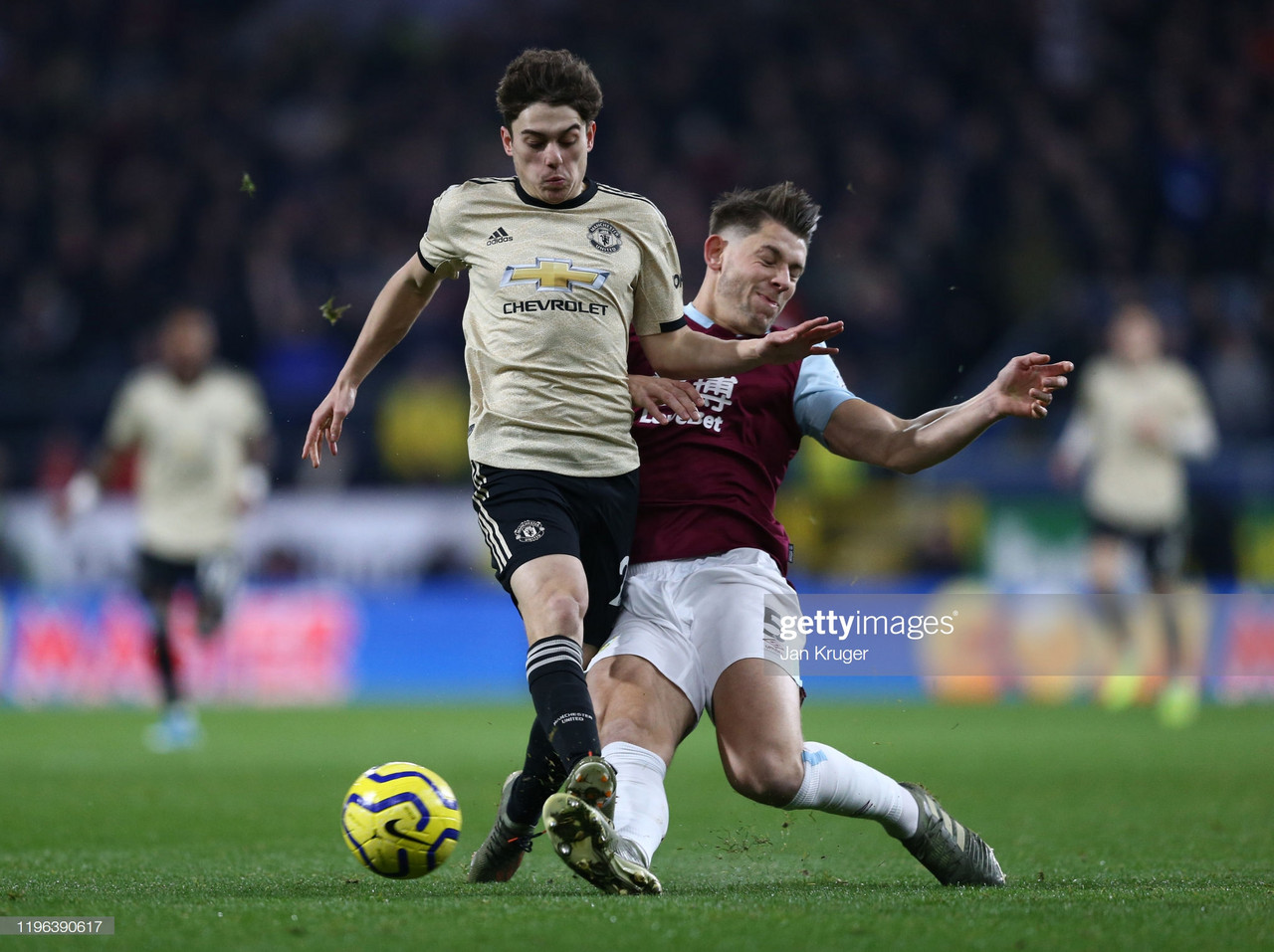 West Ham United trying Burnley tactics with James Tarkowski