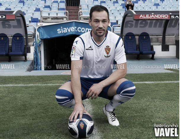 Fotos e imágenes de la presentación de Tato con el Real Zaragoza