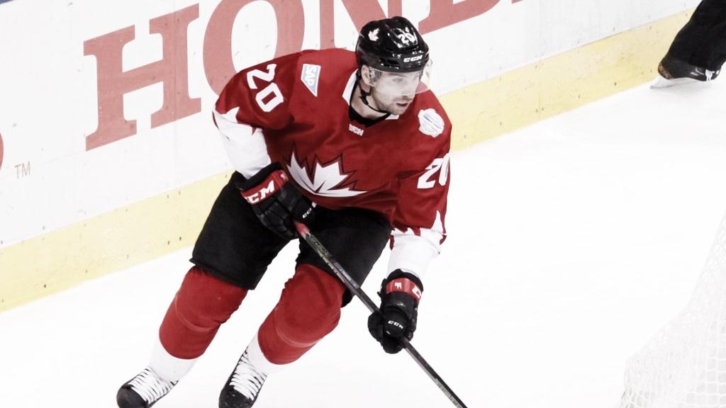 John Tavares se lesiona y no participará en el mundial de la IIHF