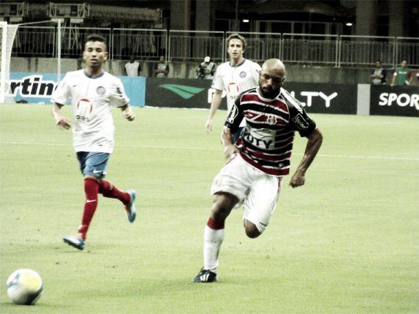 Tiago Costa, autor do gol contra o Bahia, destaca a força do Santa Cruz