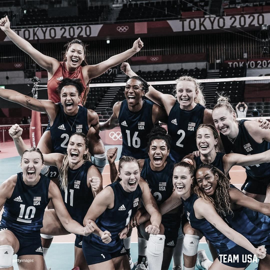 Estados Unidos vencem Sérvia e irão encarar Brasil na final do Vôlei Feminino em Tokyo 2020