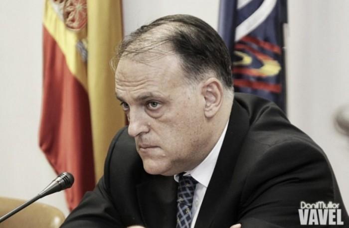 Presidente da La Liga anuncia uso do VAR para próxima temporada e critica 'trapaceiros' City e PSG