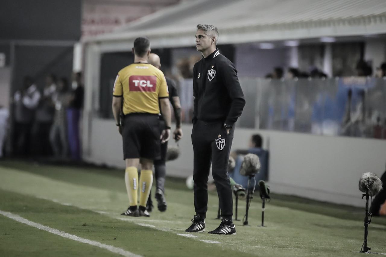 Rodrigo Santana admite que Alerrandro pode ganhar uma chance como titular