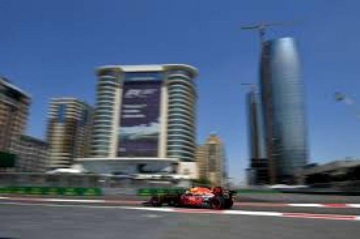 C'est bien une Red Bull qui s'est imposé à Bakou, pour la première fois de la saison.   Photo : libération.fr