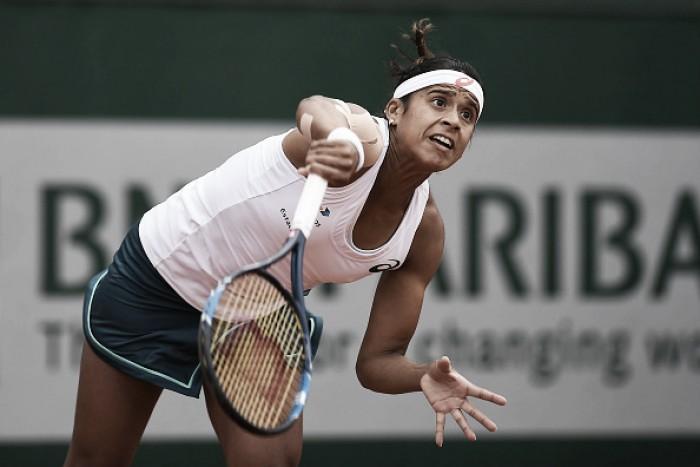 Teliana Pereira luta, mas é eliminada por Serena Williams na segunda rodada em Roland Garros
