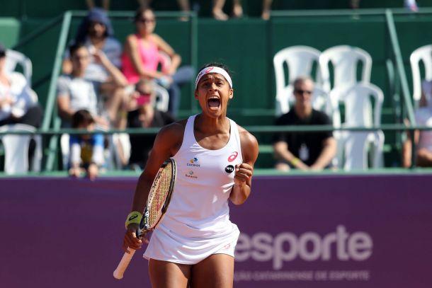 Brasileira Teliana Pereira é a campeã do WTA de Florianópolis