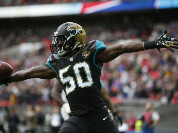 Telvin Smith Wins VAVEL USA Defensive Player Of Week Seven Honors