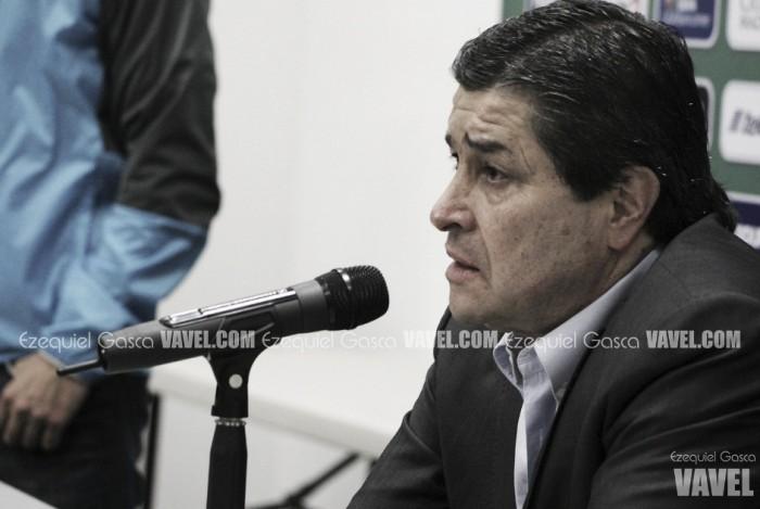 Luis Fernando Tena sale dolido de la derrota ante América