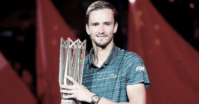 Em grande fase, Medvedev domina Zverev e conquista título do Masters 1000 de Xangai