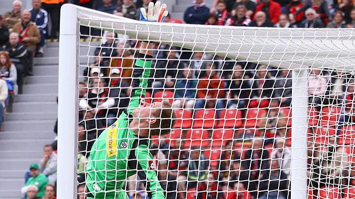 Ter Stegen evita la victoria del Leverkusen