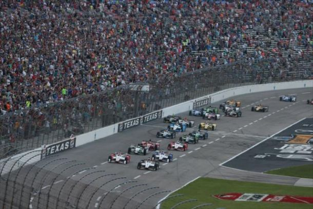 IndyCar: Dixon Dominates In Texas