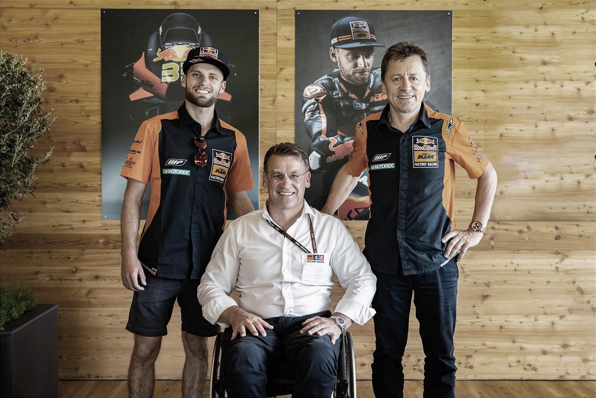 Brad Binder renueva con KTM hasta finales de 2024