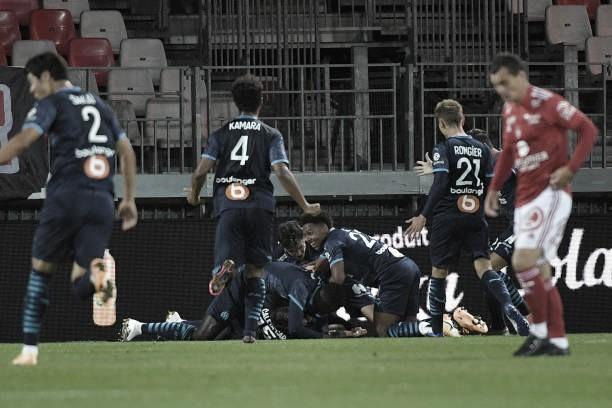 Thauvin e Caleta-Car brilham em vitória do Marseille contra Brest