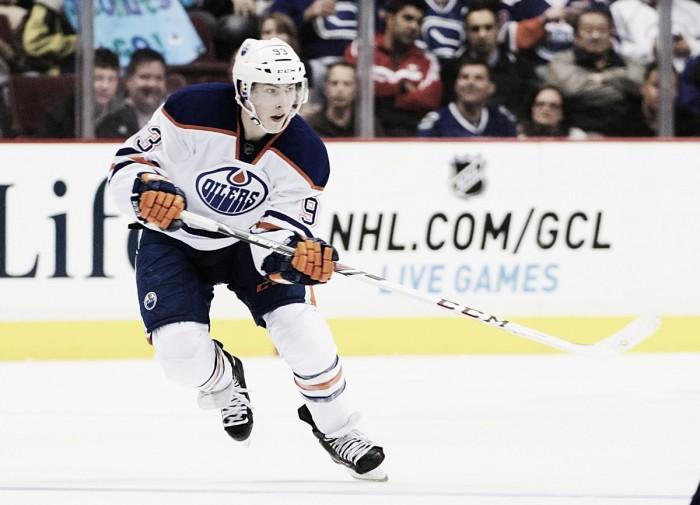 Ryan Nugent-Hopkins, baja importante para los Oilers