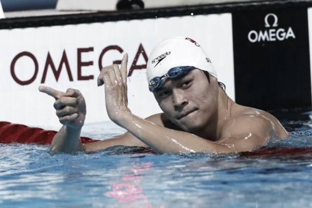 Sun Yang se pega un baño de oro