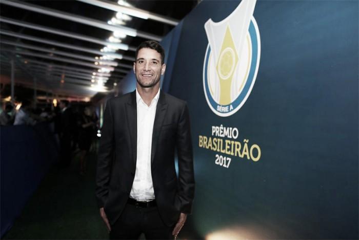 Destaque do Cruzeiro, Thiago Neves é eleito o melhor meia do Campeonato Brasileiro de 2017