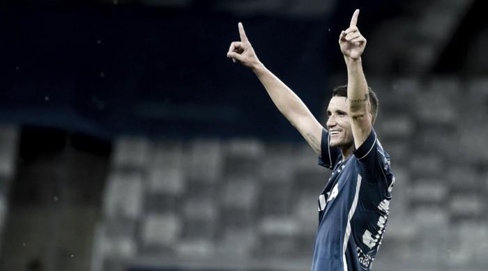 Al Hilal prepara proposta ao Cruzeiro por Thiago Neves; Raposa se posiciona