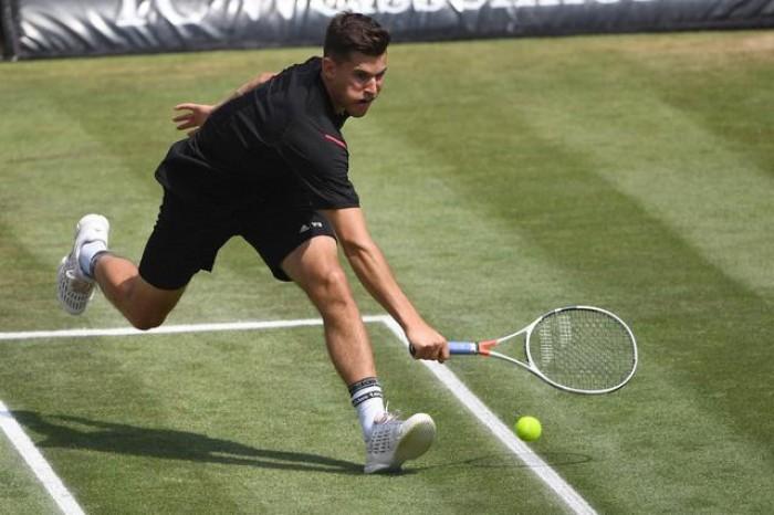 Atp Stoccarda - Thiem è superbo, Federer si arrende al terzo set