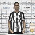 Apresentado, Cícero prega paciência para estreia e se diz 'muito feliz' por jogar no Botafogo