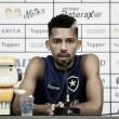 """Matheus Fernandes garante motivação para o returno e se diz feliz no Botafogo: """"Minha casa"""""""