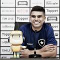 Fernando elogia estilo de jogo imposto por Barroca e valoriza bom momento do Botafogo
