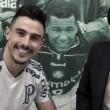 Assediado durante a janela de transferência, Willian renova contrato com Palmeiras até 2021