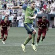 Clint Dempsey being evaluated for irregular heartbeat