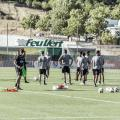 """<div style=""""text-align: left;"""">El Real Valladolid esperando a Sergio González para empezar el entrenamiento. Fotografía Real Valladolid</div>"""