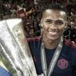 Antonio Valencia renueva con el Manchester United