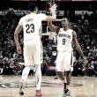 Pelicans triunfa ante los Spurs