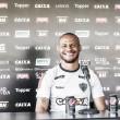 Patric analisa reestreia pelo Atlético-MG e agradece carinho da torcida