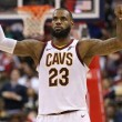 NBA - LeBron James passa Larry Bird nella classifica di triple doppie e trascina i Cavs, Portland vince a Charlotte