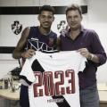 Vasco e Marrony renovam vínculo até 2023