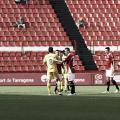 Los jugadores de ambos equipos, saludándose al final del partido. | Foto: LaLiga