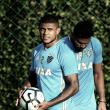 Sem Patrick, Luxemburgo busca alternativas para jogo contra Vasco