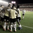 Notas: Jadson brilha em esquema sem atacantes e Corinthians vence na Argentina