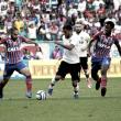 Em momentos diferentes, Bahia e Vitória duelam para se distanciar da zona de rebaixamento