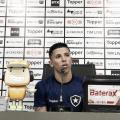 """Wenderson comemora reedição da parceria com Barroca no Botafogo: """"Me ensinou tudo"""""""