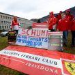 Schumacher, tifosi Ferrari sotto l'ospedale per il suo compleanno
