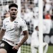"""Douglas revela alívio após primeiro gol pelo Corinthians: """"Estava agoniado"""""""