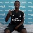 Contratado em 2017, Vinícius Jr. veste camisa do Real Madrid pela primeira vez