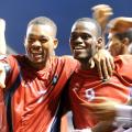 Futbolistas amateurs compiten contra profesionales