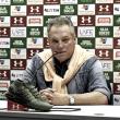 """Abel Braga celebra vitória do Flu sobre Chapecoense, mas ressalta: """"Nós estivemos abaixo"""""""