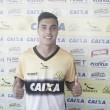 Meia-atacante Alisson Farias é apresentado como novo reforço pelo Criciúma