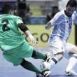 Argentina golpea primero