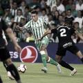 Cristián Tello con el balón en el partido que enfrentó a Betis y Leganés en el Benito Villamarín.<div>Foto: Real Betis Oficial.</div>