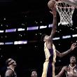 Com boa atuação no segundo tempo, Lakers vencem Pacers de virada