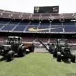 El Camp Nou inicia su cambio de césped